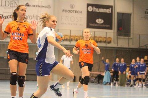 NYTT TAP: Mina Paulsen Stenberg scoret på to av to skudd mot Bærum, men NIF gikk på sitt fjerde hjemmetap av fire mulige.