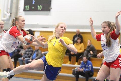 OPPRYKK: Lise Agnete Prytz Moe og resten av håndballdamene til Bækkelaget er klare for spill i 2. divisjon til høsten.