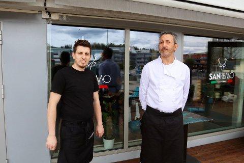 Daglig leder Gezim Idrizi (t.v) og kokk Raffaele Mele er optimistiske for tiden framover.