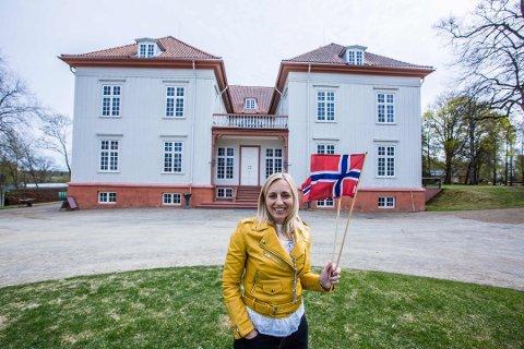 LEDER AN: Journalist Linda Ingier skal være programleder for Romerikes Blads 17. mai-sending fra Eidsvoll.
