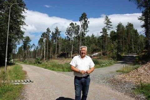 FERDIG I SOMMER: Løypa her fra Ødegården og til høyre mot Åsland blir ferdig i sommer. Traseen videre langs Kongeveien mot Tårnåsenområdet er imidlertid utsatt av økonomiske årsaker, forteller prosjektleder Ola Skarderud.