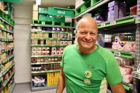 Tore Pinderud (53) ønsket kundene velkommen til en nyoppusset butikk mandag 10. august.