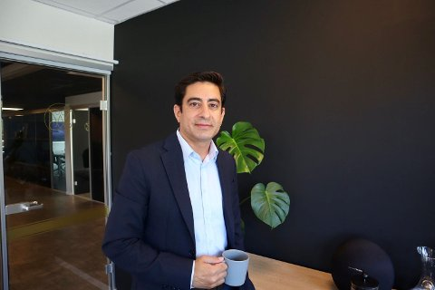 Saqib Shabbir (40) er salgssjef i Discover People.