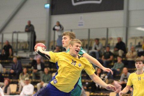 AVGJORDE: Her avgjør Trym Korperud Johnsen kampen mot Fjellhammer med sin 29-26 scoring, fire minutter før full tid.