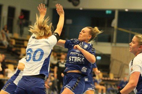 MYE ANSVAR: Det hviler et stort ansvar på unge Frida Nåmo Rønnings skuldre denne sesongen. Mot NIF var hun Oppsals beste med seks scoringer.