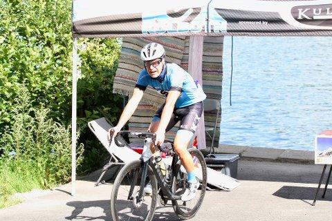 VANT IKKE FRAM: Ivar Grøneng vant ikke fram i Høyesterett. Her i forbindelse med at han syklet opp og ned Knardalbakken 117 ganger i sommer.