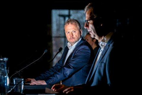 STRENGE TILTAK: Byrådsleder i Oslo, Raymond Johansen (Ap) og helsebyråd Robert Steen (Ap) holder pressekonferanse vedrørende siste nytt om koronareglene i Oslo. Foto er fra tidligere pressekonferanse.