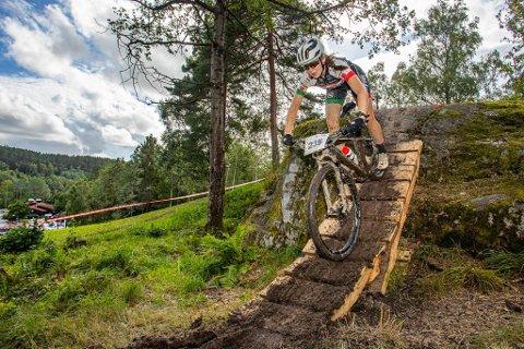 Oda LaForce var Norges beste kvinnelige terrengsyklist i juniorklassen i 2020 – her fotografert under Oslo Terrengsykkelfestival. Nå kan hun konkurrere om nordisk tittel på hjemmebane i 2021.