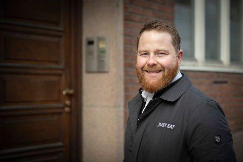 SALGSSJEF: Odd Stian Gullhav er salgssjef i Just Eat. De har hatt en økning på 40 prosent på lunsj-levering, mye på grunn av mange på hjemmekontor..