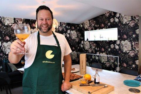 Jan Henrik Syversen sin kokebok gikk rett til topps på Bokhandlerforeningens Bokliste. Foto: Kristin Trosvik