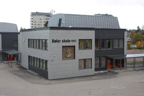 Bøler skole er en av institusjonene Dagny Thurmann-Moe kritiserer.