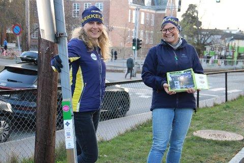 (f.v.) Ingeborg Øderud og Karen Johanne Strømstad i Bækkelaget SK orientering er glade for alle positive tilbakemeldinger på stolpejakten, og gleder seg til årets jakt.