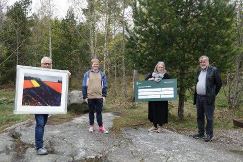 Det var Ljan Alpinklubb som i år har fått tildelt bydelsprisen for Nordstrand. Fv: Karl Audun Lad, Olav Persson Ranes, Trine Mette Swanson og leder av bydelsutvalget, Knut Falchenberg.