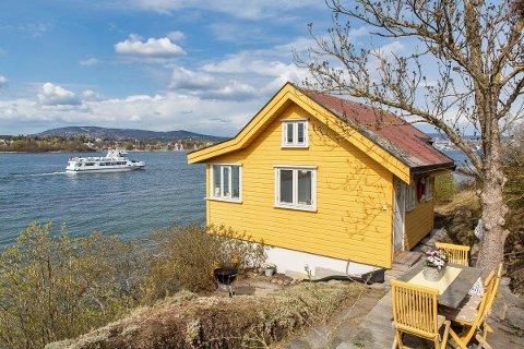 STIV PRIS: Denne hytta på Nakholmen ligger ute til 8 millioner kroner.