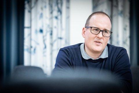 SMITTET. Kommuneoverlege i Eidsvoll og Hurdal, Carl Magnus Jensen, har fått påvist korona, melder Eidsvoll kommune søndag kveld.