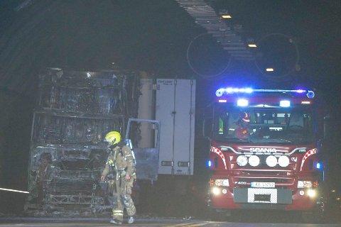 Det brenner i en lastebil i Oslofjordtunnelen.
