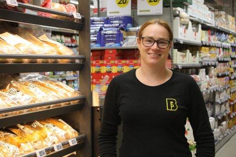 Anne-Gro Skjærstad Wesenberg i den nye Bunnpris-butikken.