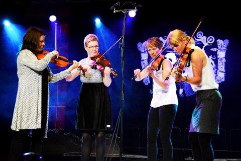 Tufskrøkjun Synne Grothe, Kari Grøsland, Astrid Sulheim og Ann Kristin Odnes skal bidra i innspelingsprosjektet.