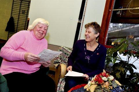 Gleder seg: Bodil Johansen og soknediakon Ingunn Liseter håper mange vil delta på julefeiringen på aktivitetshuset på Otta. Dørene åpner klokken 14.00.