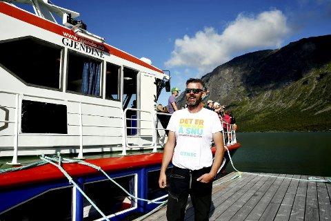 Skipper på Gjendebåten, Harald Rune Øvstedal, er glad dersom han i år greier halvparten av omsetninga han hadde i fjor.