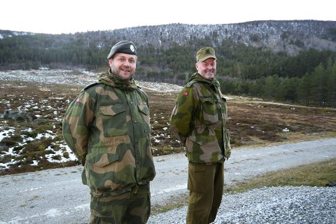 Påtroppande og avtroppande områdesjef, Ørjan Venås og Børge Wilhelmsen.