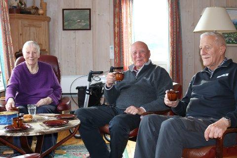 Det blir mykje kulturhistorie når Magnhild (88), Per H. (85) og Per J. samlast rundt kaffebordet på Steinset.