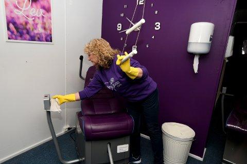 Lauvstad vasker maskinene mellom hver person som bruker dem.