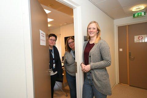 Koronateam: Helsesykepleier Vera Testad Midtgard, kommuneoverlege Therese Renaa og helsesykepleier Sigrid Grande.