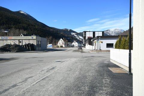 Sel kommune arbeider med kontraktsforhandlinger angående arbeid i Ola Dahlsgate på Otta  i disse dager, oplpyser Rune Grindstuen, virksomhetsleder for plan og teknisk i Sel kommune.