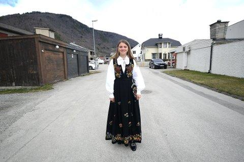 Det er bedre at det blir utsatt enn å måtte ha konfirmasjon med kun den aller nærmeste familien som gjester, mener Ingrid Elise Øyjordet.
