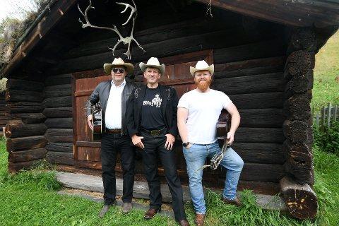 Arrangerer Heidal Country Music Galla: Knut Stubbrud, Rune Steineide og Nicolai Isaak Stubbrud.