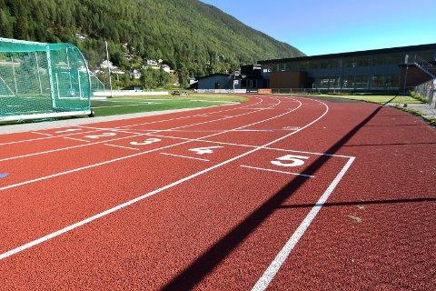 Løpebane i Øya stadion på Otta.