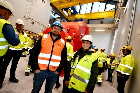Anleggsleder og prosjektleder Geir Gården og daglig leder Anne Mette Gården i Kristian Gården og Sønner AS var til stades under den offisielle opninga av Nedre Tessa 1 kraftverk.