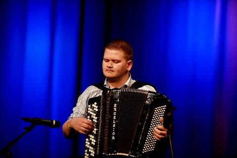 """Mads Erik Odde vant Spellemann for """"Logne Slåttar""""."""