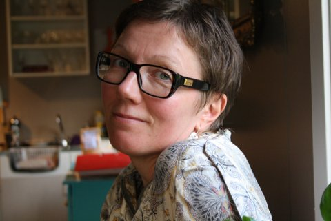 TELEFONVENN: Solveig Henriksen fra Malangen i Balsfjord liker godt å være telefonvenn.