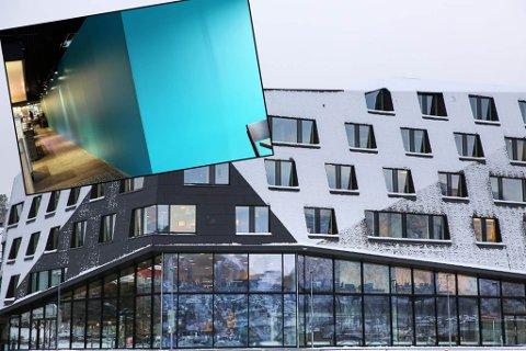 AKVARIUM: Akkurat nå er det bare en blå vegg der akvariumet på Kystens hus skal ligge, men i januar er den 18 meter lange fisketanken planlagt å åpne. Foto. Ragnhild Gustad/Yngve Olsen Sæbbe
