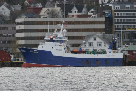 TRÅLUTSTYR FRA DENNE BÅTEN: Da Seivalas i 2010 kjøpte «Ostrov Valaan»,  ble trålutstyret lagret på Tromsø Havn sitt område i Breivika. Trålerens navn ble senere endret til «Plutonas».Utstyret forsvant da omdådet året etter ble ryddet.