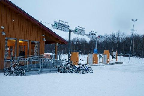 Ingen asylsøkere kom syklende over grensen inn i Norge fra Russland mandag Foto: Cornelius Poppe (NTB scanpix)