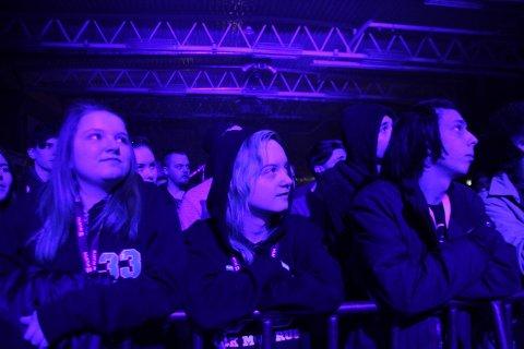 FULLT: Det var mye folk og godt humør på Rock Mot Rus.