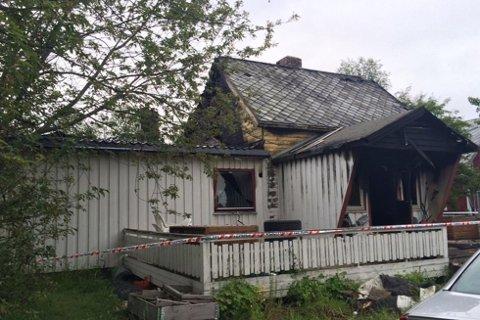 Seks personer berget seg ut fra denne boligen.