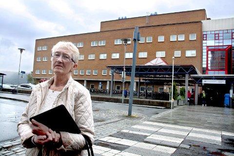– IKKE HOLDBART: Gunn-Jorid Johansen er svært misfornøyd med praksisen til Pasientreiser. –Det er helt uforståelig at UNN og Pasientreiser skal drive med denne innsankingen av pasienter som skal til UNN, sier hun.