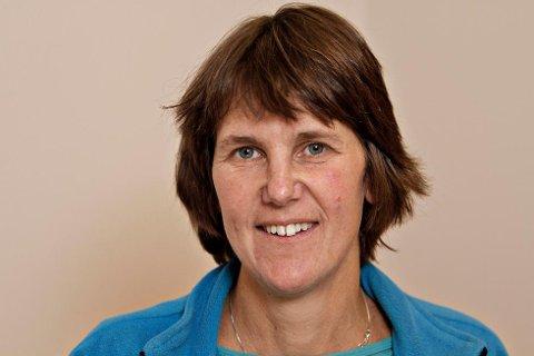 FÅR STØTTE: Kommunelege Carol Pascoe (bildet)får støtte fra leder av Lyngseidet bygdeutvalg, Bente Rognli.