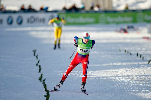 Håkon Mikalsen er tydeligvis i form foran NM på Kvaløysletta. På den klassiske distansen der, over 15 kilometer, satser Nordreisa-løperen på en plassering blant de ti beste.