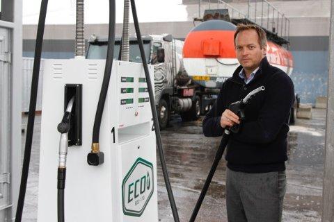 NYTT: I dag har Eco-1 ti stasjoner i landet, og den neste kan komme i Tromsø. Ifølge gründer Geir Ingeborgrud er det ikke bare prisen som skiller produktet fra vanlig diesel.