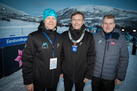 Leder av NM-komiteen Roger Fagerheim, ordfører Jarle Aarbakke og skipresident Erik Røste åpnet NM. Foto: Torgrim Rath Olsen