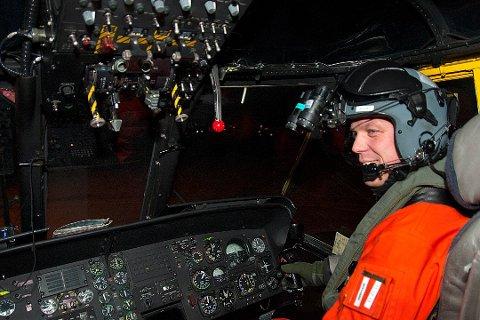 DRAMATISK: Fartøysjef Peer-Johan Ødegaard forteller om en dramatisk redning da fem mann ble berg fra et fartøy som gikk på grunn. Foto: Alexander Kjønsø Karlsen