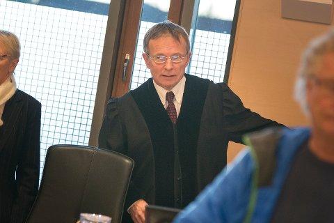 DOMSAVSIGELSE: Tingrettsdommer Oddmund Gamst leste opp dommen mot 30-åringen onsdag ettermiddag.