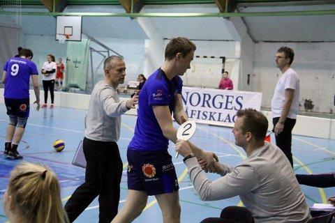 BKT-Randaberg 3-2 Petter Østvik gratuleres av Edgar Broks og Harry Fagervold