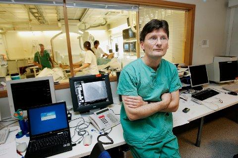- LIK BEHANDLING: Avdelingsoverlege Thor Trovik mener den ferske rapporten viser at hjertepasienter i nord behandles likt. - De som skal undersøkes, blir undersøkt, sier Trovik.