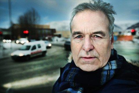 Fylkeslege Svein Steinert er alvorlig bekymret etter at flere kommuner i Troms nå ikke kan tilby fastlege til nye innbyggere.